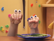 Oobi-Asparagus-Uma-finally-tries