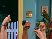 Oobi-Babysitter-Randy-walks-in