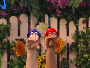 Oobi-Play-Ball-Oobi-and-Kako-outside