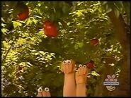 Oobi Shorts - Apple Picking! Scene 4