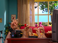 Oobi-Video-watching-the-movie