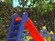 Oobi-Uma-Swing-slide