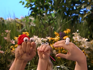 Oobi-Sign-Language-Kako-pointing