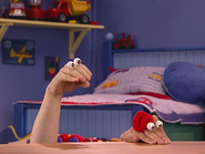 Oobi-Play-Ball-Kako-depressed