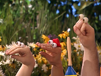 Oobi-Sign-Language-cast-watching