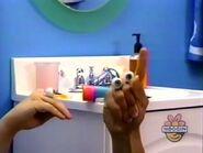 Oobi-shorts-Toothpaste-Kako-gets-an-idea