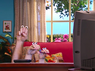Oobi-Video-Grampu-surprised