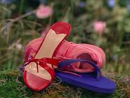 Oobi-Frieda-Friend-pile-of-shoes