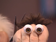 Oobi-Haircut-trim-close-up