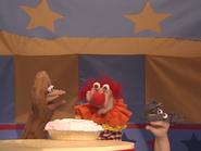 Oobi-Pretend-Circus-Grampu-with-pie