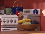 Oobi-Make-Music-Kako-with-fruit
