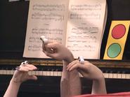 Oobi-Piano-Lesson-Uma
