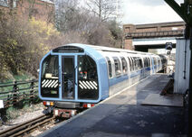 London Underground 1986 Stock (Blue)