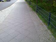 Bild 13 Schwedter Straße Gehweg