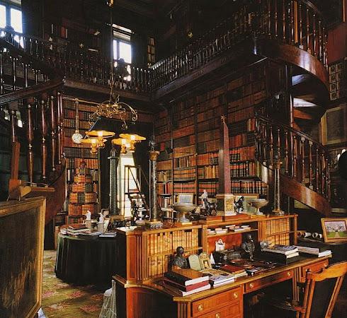 Library (Chateau de Groussay)