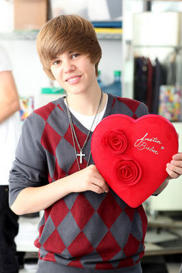 File:Justin heart.jpg