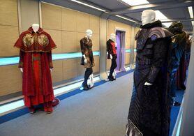 Valondis Pria costumes