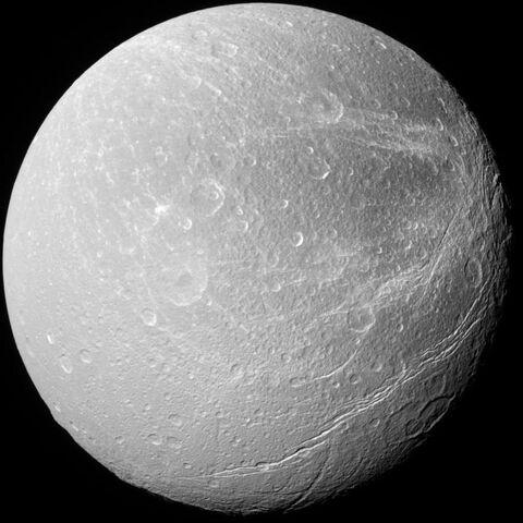 File:Dione.jpg