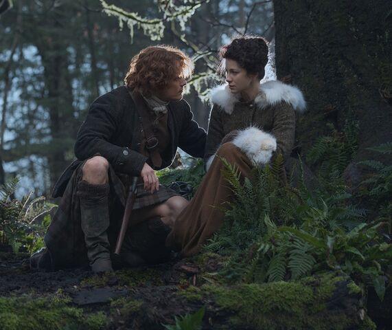 File:Outlander-Season-1B Jamie-Fraser-Sam-Heughan-Claire-Randall-Caitriona-Balfe 4.jpg
