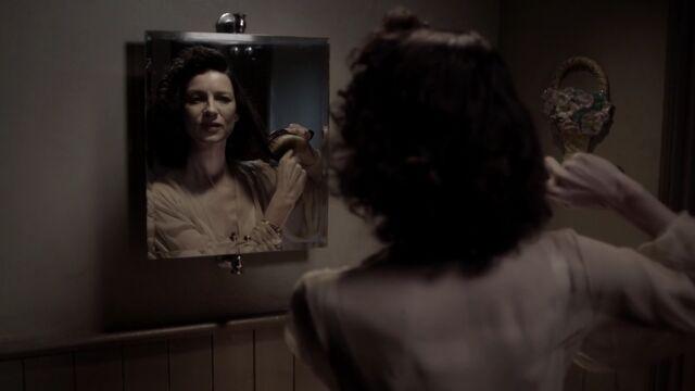 File:S01E01-Screencap11.jpg