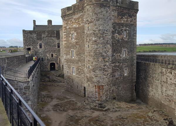 Blackness Castle2
