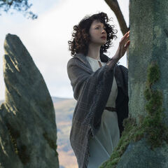 Claire Randall (Caitriona Balfe)