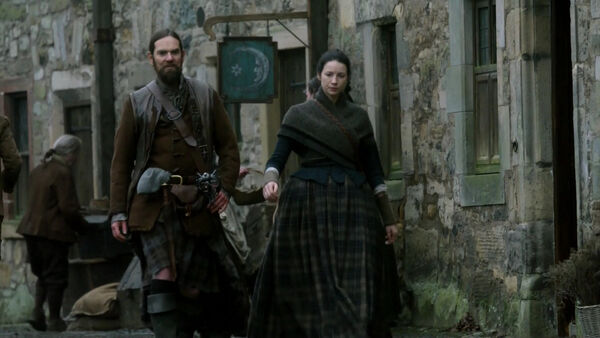 Claire y Murtagh calle2