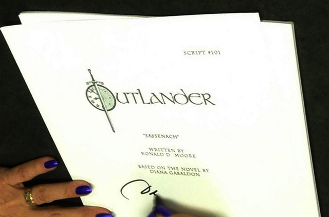 File:1x01 Script cover edited.png