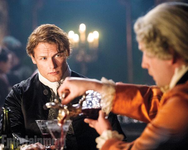 File:Outlander-s2-01.jpg
