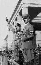 HitlerandMussolini-572d28c45f9b58c34cbb51bb