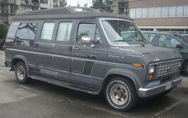 Ford Econoline 150 Camper Wagon