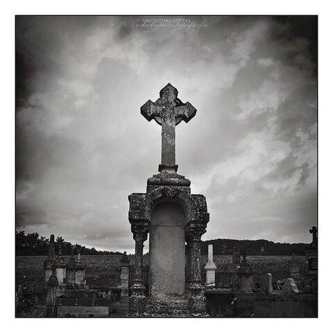 File:Grave Cross.jpg
