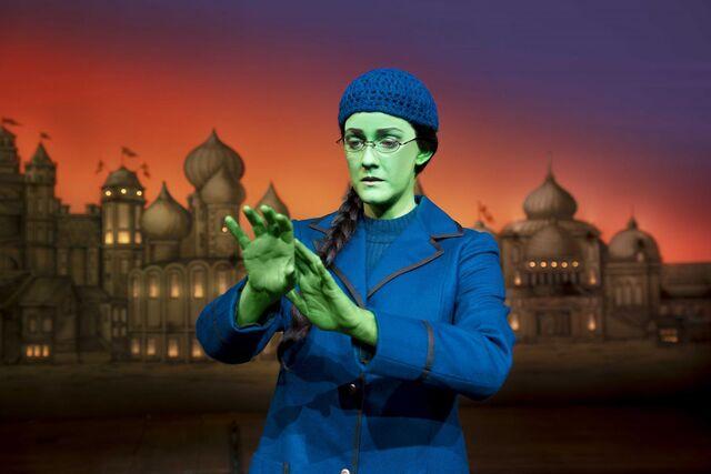 File:Wicked London Alice Fearn Photo Matt Crockett 9221 RT.jpg