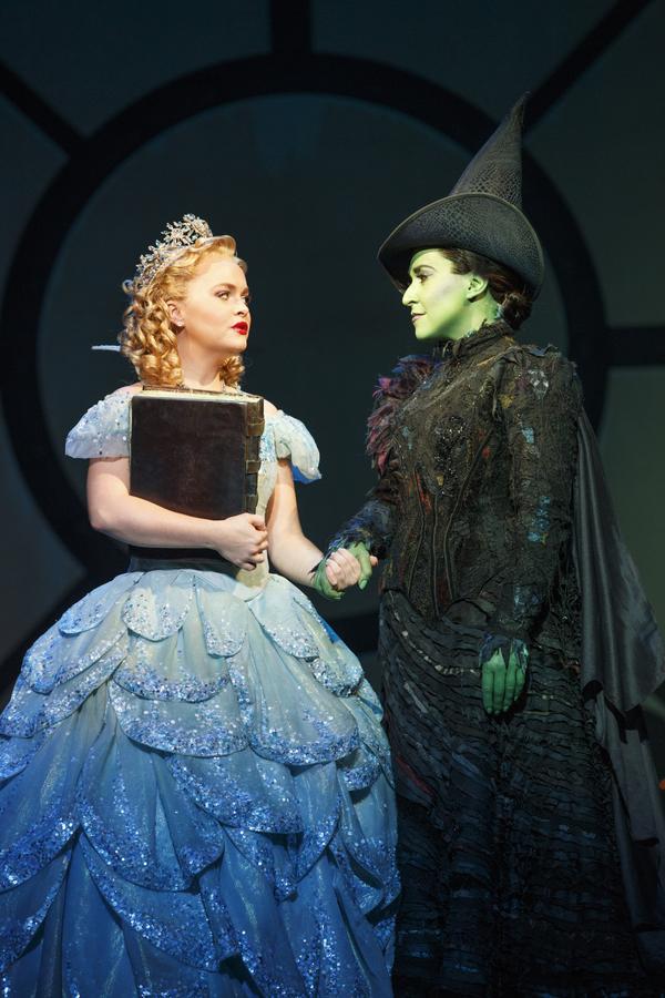 Wicked Cast Lists Oz Wiki Fandom Powered By Wikia