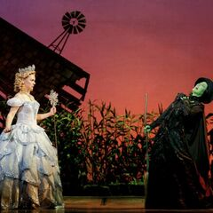 Glinda & Elphaba in <i>Wicked</i>.