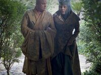Olenna walks with Varys