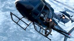 Mission-impossible-fallout-tom-cruise-helicopter-22532-resized