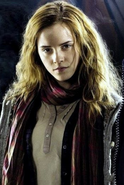 Casual Hermione with a scarf around her neck