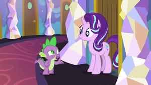 Spike greets Starlight at her bedroom door S7E1