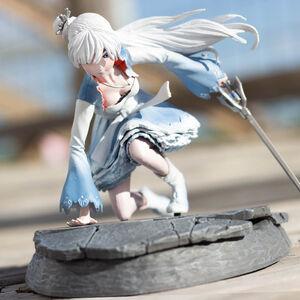 Weiss Figurine01