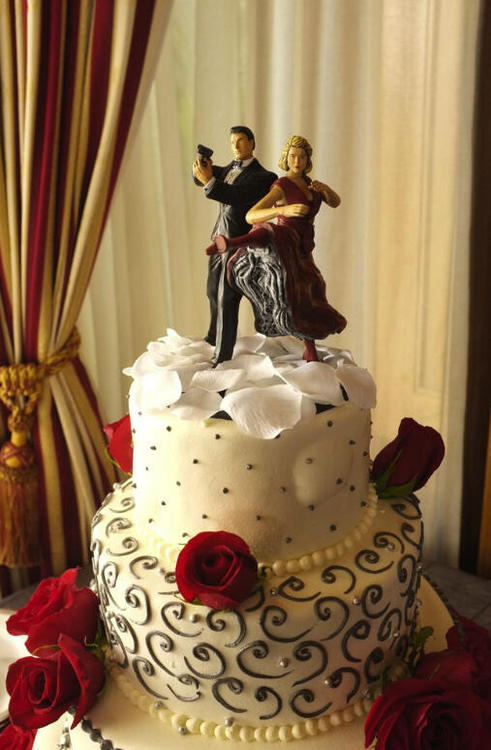 Image - WeddingCake.jpg | Psych Wiki | FANDOM powered by Wikia