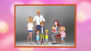 STPC14 Amamiya family portrait
