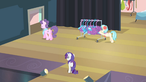 Rarity ...make all of those outfits out of it so fast S4E08