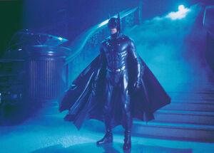 Batman & Robin - Batman at the Museum