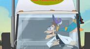 Perry golpea a doof