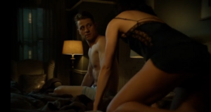 Gotham - James Gordon (Ben McKenzie) talking with Lee Thompkins (Morena Baccarin) about the GCPD