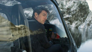 Tom-Cruise-flying-helicopter-in-Mission-Impossible-Fallout