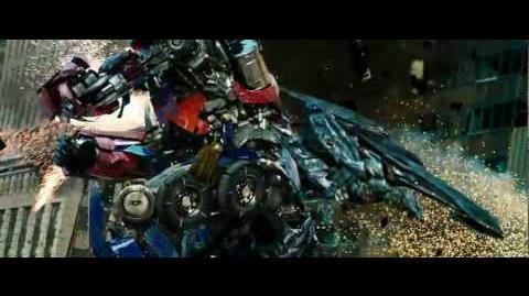 Transformers 3 Fight Scene - Optimus Prime Rage HD 720p