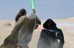 Qui-Gon duels Maul