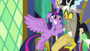Twilight grins pleadingly at Discord S9E1